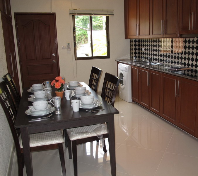 2 Bed House With Private Pool for Rent