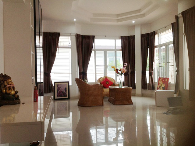 Quickl Sale House For Sale in East Pattaya