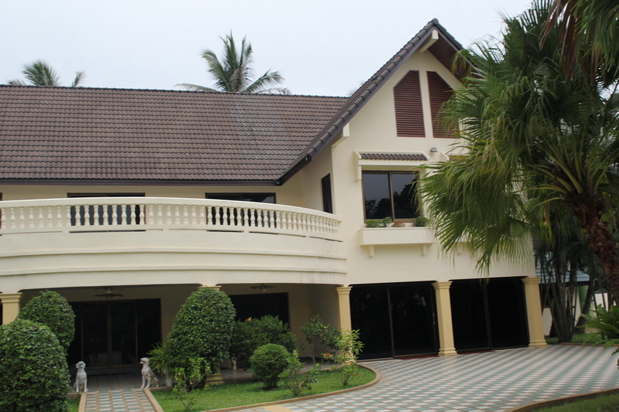 Very Large Exclusive Homes for Sale in East Pattaya Thailand