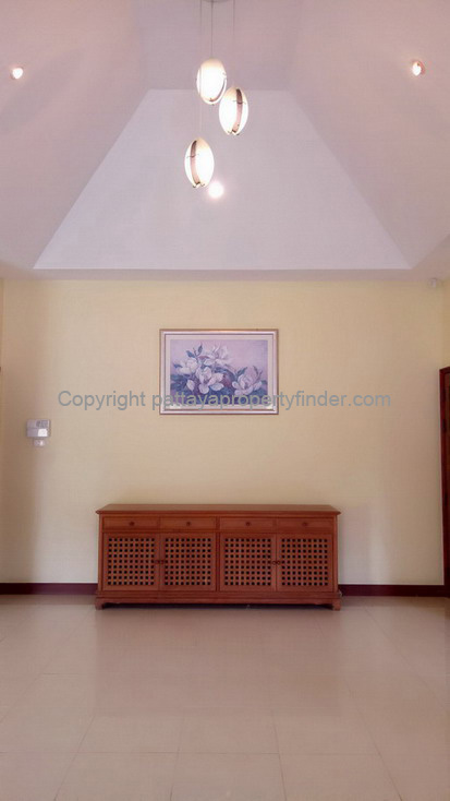 House with Swimming Pool for Sale and Rent in East Pattaya